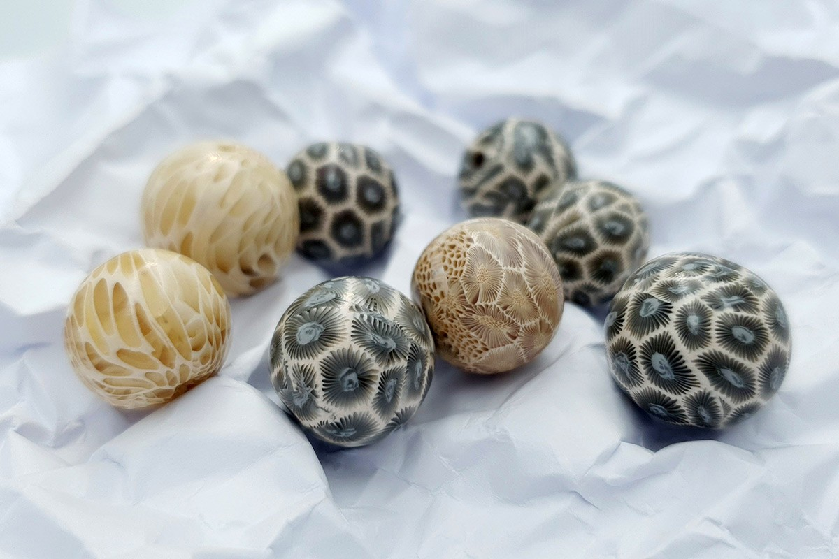 Set of 8 Faux Petoskey beads from polymer clay