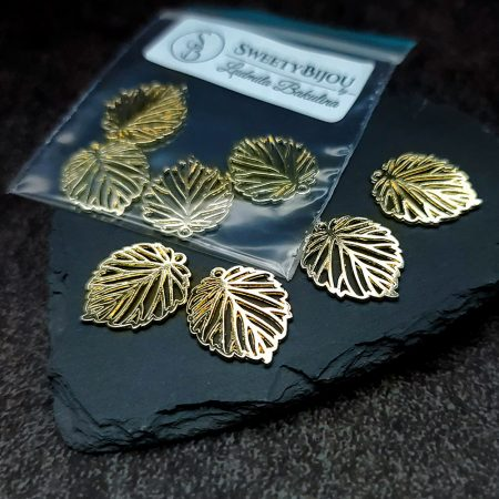 Set of 4 pieces of golden color small leafs charms for earrings