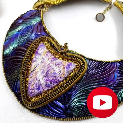 How to make the central element of electric blue feathers necklace