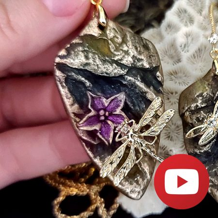 Dragonfly on the flower – creation of unique 3D pendant and earrings